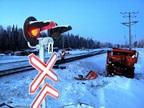 ВКузбассе КамАЗ снес шлагбаумы нажелезнодорожном переезде