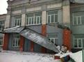 Вшколе Прокопьевска рухнул железный козырек