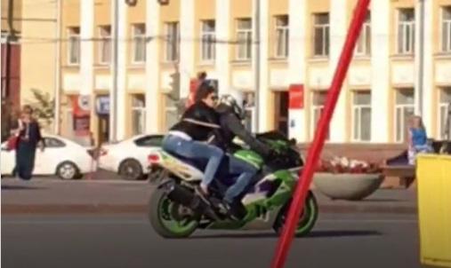 Кемеровчане гадают чем завершилась утренняя погоня замотоциклистом вцентре города