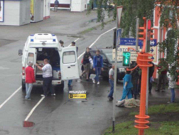Кемеровский шофёр вылетел натротуар исбил женщину