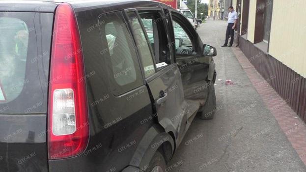 Серьезное ДТП вНовокузнецке: «Ford» отбросило напешеходов, двое пострадали