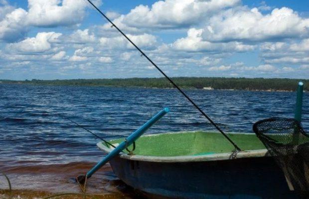 Лодки для рыбалки на каховском водохранилище