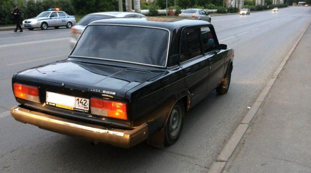 ВКемерове полицейские остановили «семерку» с13-летним водителем