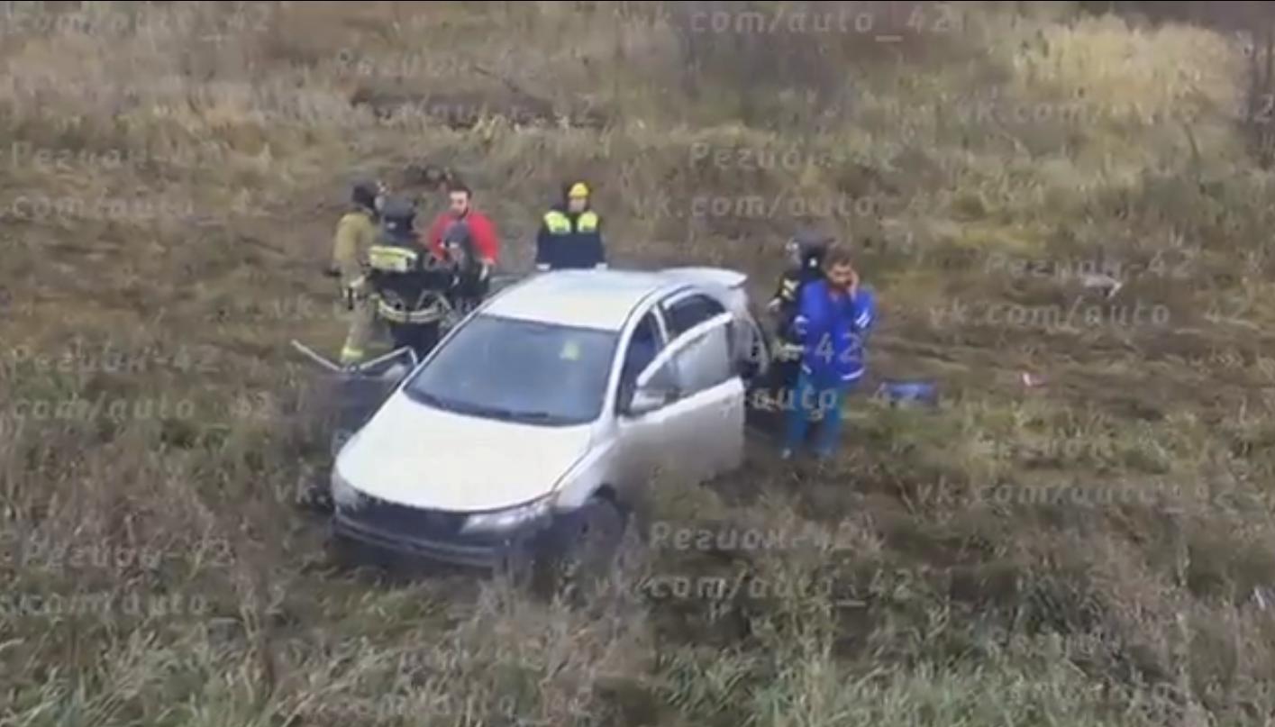 ВДТП под Кемеровом два человека погибли, трое пострадали