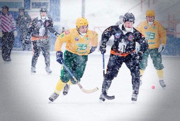 Хоккейный «Кузбасс» разгромил насвоем льду архангельский «Водник»