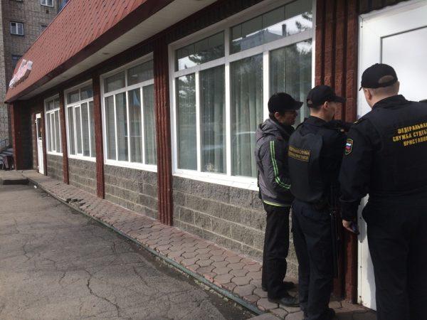 Сотрудница работала взакусочной сгепатитом А: приставы временно закрыли кафе
