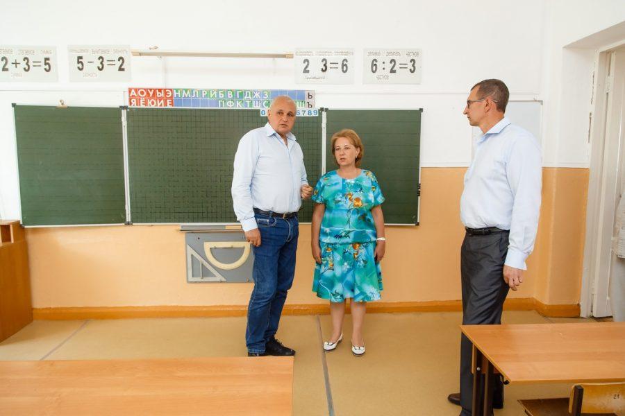 Школу №6 вМариинске капитально починят попоручению Сергея Цивилева