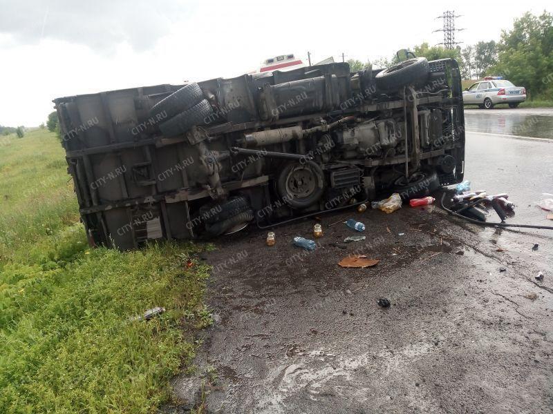 Вблизи села Сосновка в Новокузнецке столкнулись Mazda и Toyota: пострадали двое