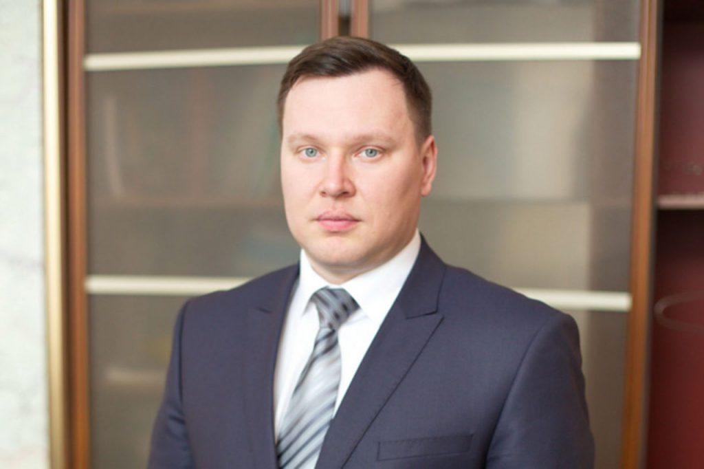 Кирилл Десяткин вновь назначен и.о. начальника департамента ЖКХ и дорожного комплекса