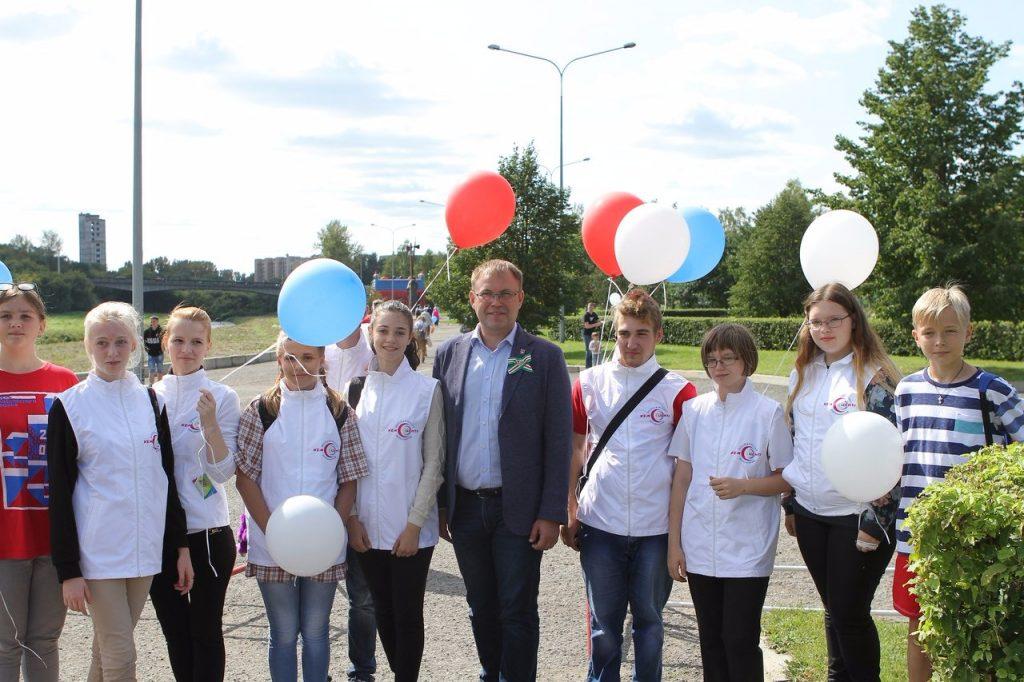 Площадку для воркаута открыли в кемеровском парке Победы имени Жукова