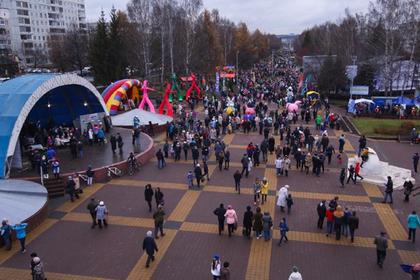 Обновленный бульвар Строителей открылся в Кемерове. Видео