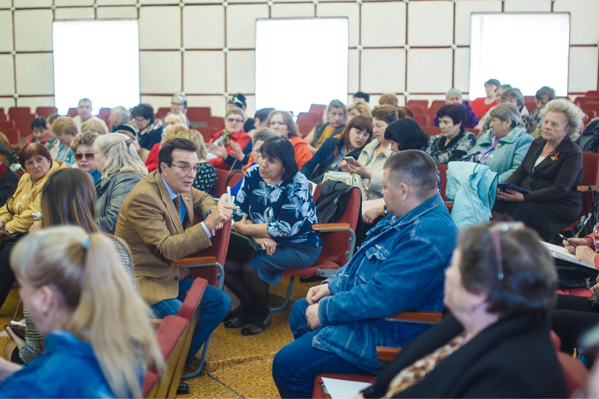 Александр Максимов: Только обученные старшие домов могут эффективно управлять жилым фондом