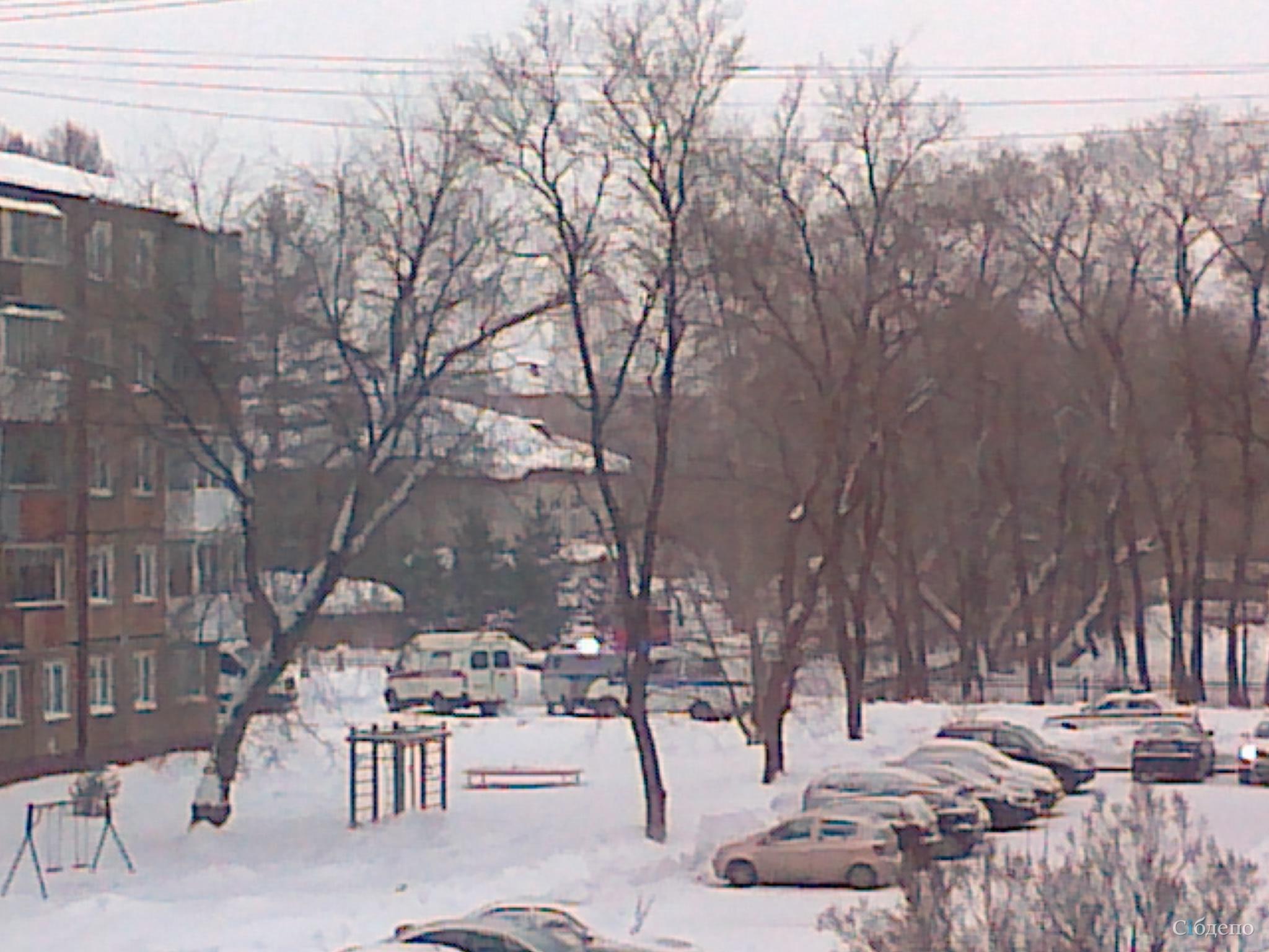 Из больниц, ТЦ и школ Кемерова эвакуируют людей из-за сообщений о минировании