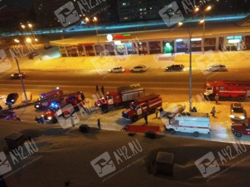 """В кемеровском кафе """"Дубай Арабия"""" произошел пожар: тушили заведение почти 40 человек"""