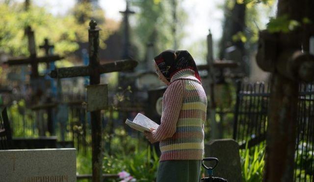 Родительская суббота 28 марта 2020: нужно ли идти на кладбище православным