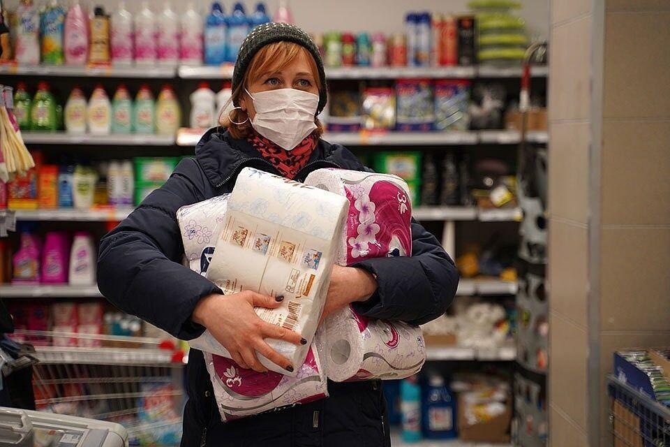 Нужно ли запасаться продуктами из-за коронавируса: что купить в первую очередь рекомендуют эксперты