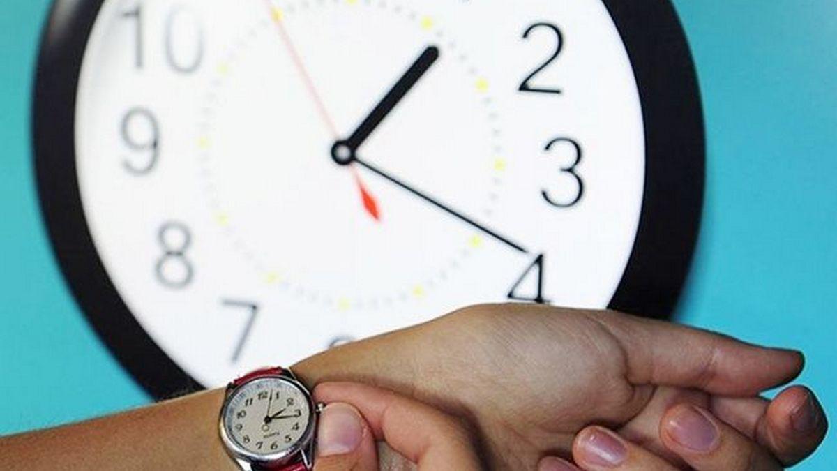 Когда в 2020 году переводить часы на летнее время