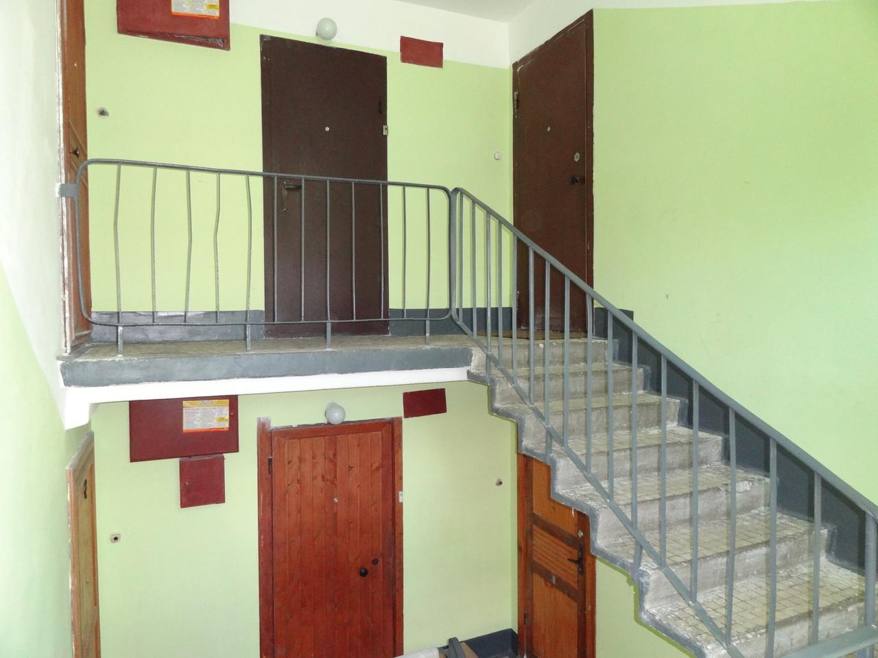 Интересный факт: в советских домах лестницы строили против часовой стрелки