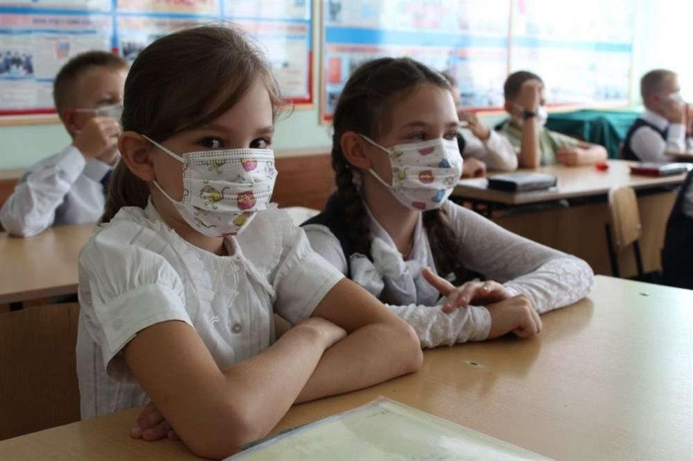 Летние каникулы у школьников в 2020 году: когда начинаются из-за коронавируса