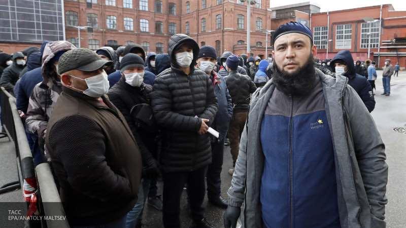 Будут ли выплачивать пособия по безработице мигрантам в России?