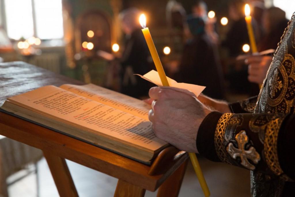 Какие молитвы читают в Страстную неделю православные до самой Пасхи