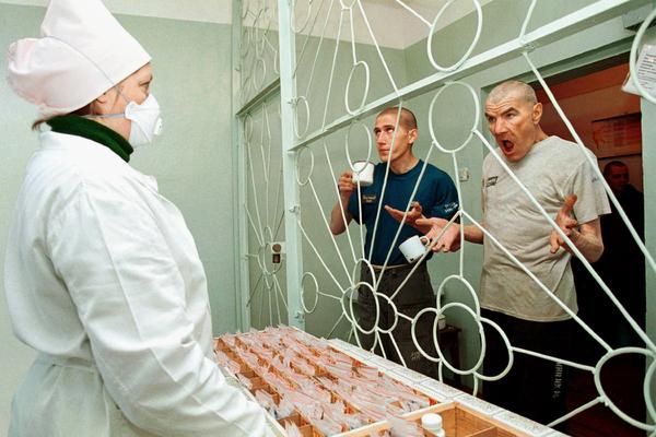 Как коронавирус повлиял на жизнь российских заключенных