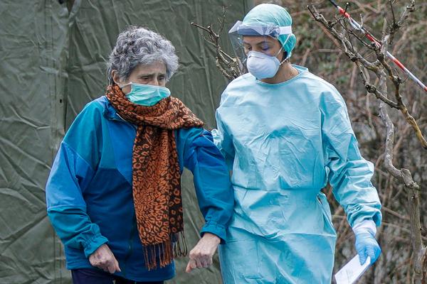 Почему коронавирус чаще убивает мужчин, чем женщин, рассказали исследователи