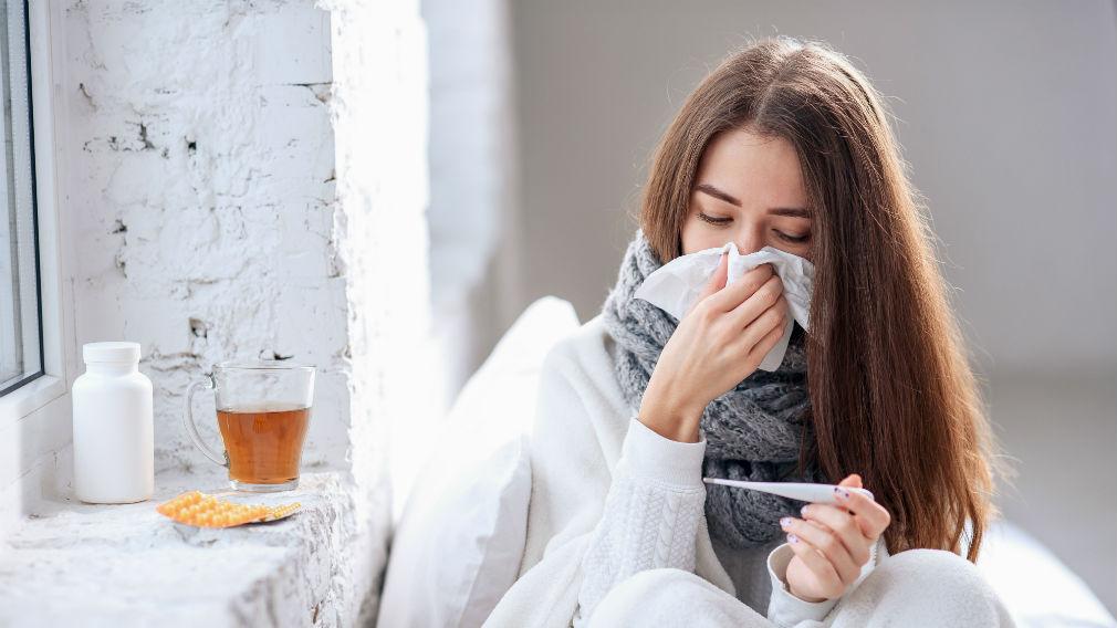 Как отличить коронавирус от обычного ОРВИ: симптомы, как проявляется