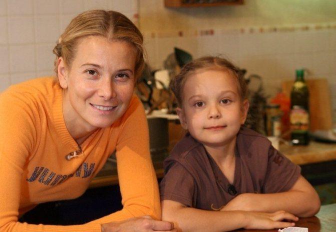 Мария Кончаловская идет на поправку после аварии по вине ее отца