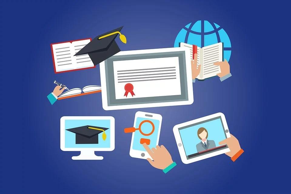 С 6 апреля в России введено дистанционное обучение для всех школ: до какого числа оно продлится?