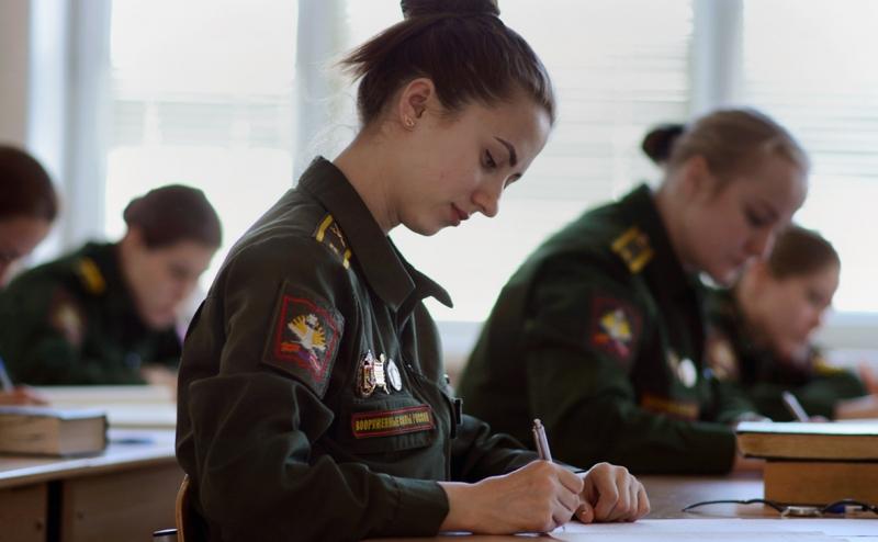 Военные вузы 2020 учебный год закончат досрочно, согласно распоряжения министра обороны