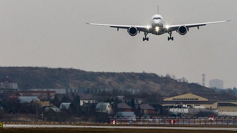 В Росавиации предложили постепенно возобновлять авиасообщение в России
