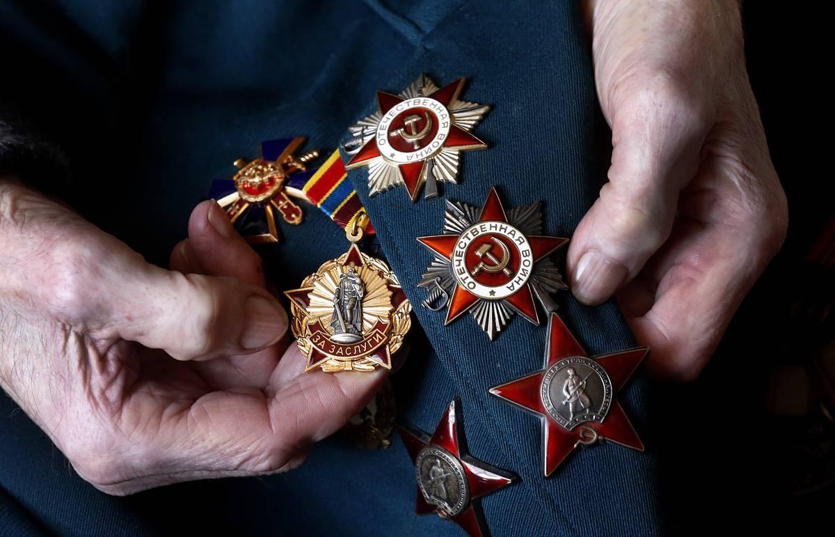 Сайт «Память народа» позволяет найти полную информацию по фамилиям об участниках Великой Отечественной войны