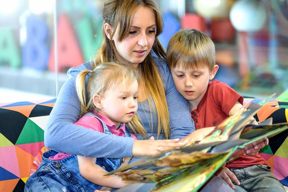 Пособия на детей от 3 до 7 лет в России 2020 году: как начисляются выплаты