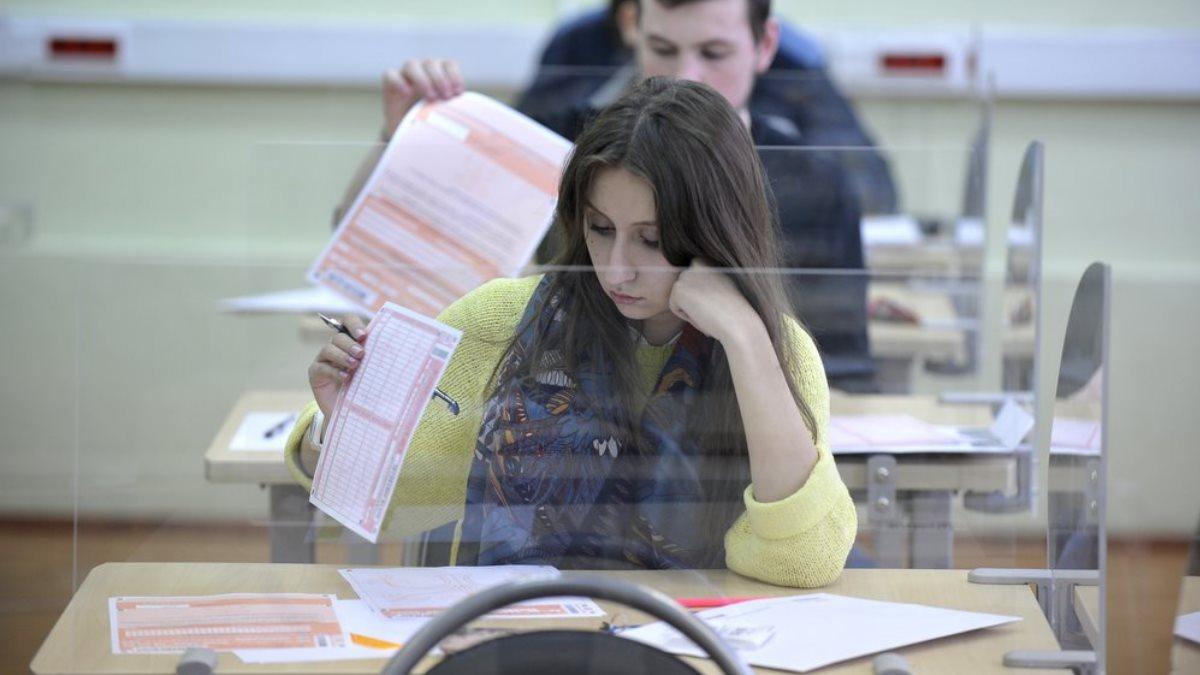 Сроки проведения ЕГЭ диктует коронавирус: когда пройдут экзамены в России?