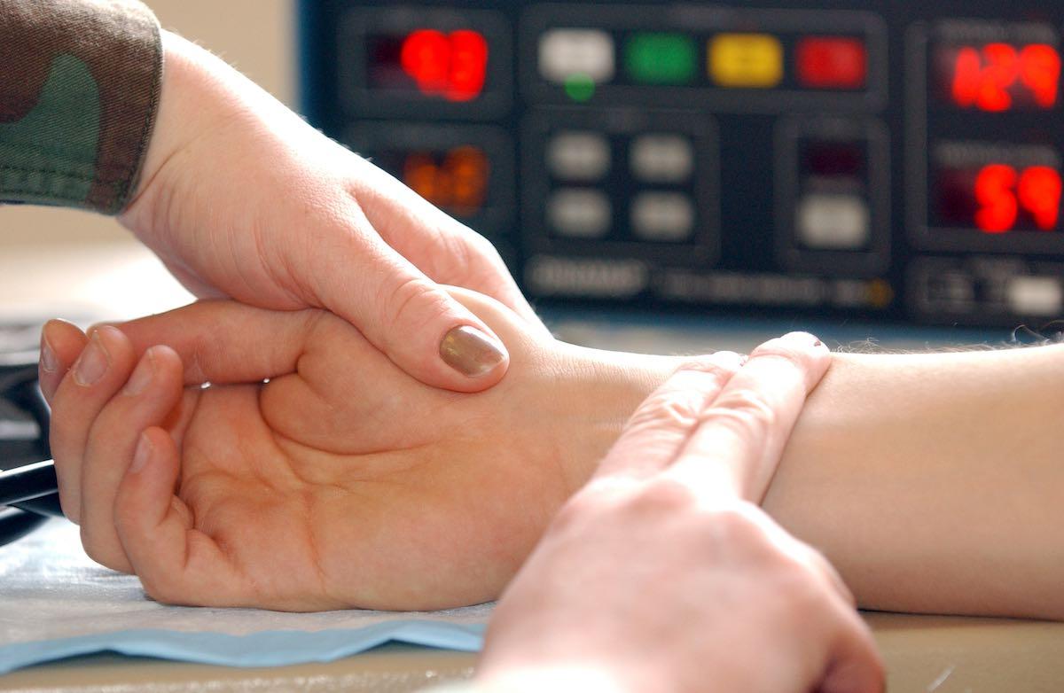 Можно ли определить давление человека по пульсу?